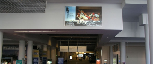 video-advertising-screens-airports-rail-stations-transport